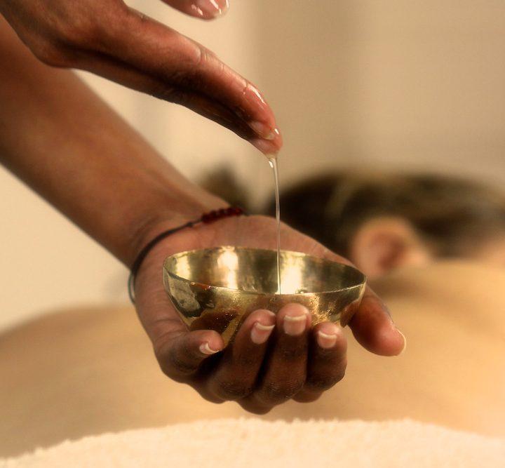 massage-huile-centredemassotherapie-sommieres